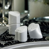 heart to heart, table, table planning,interlocking, salt and pepper, shakers, guests, favors, favor, white, weddings