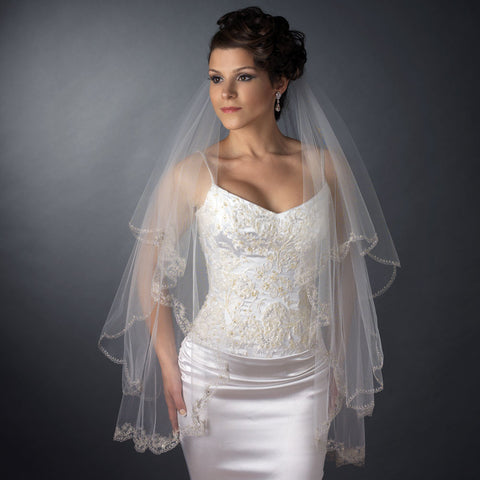 Fingertip, Lace, Scalloped, Veil, Waltz, White, White/Silver Thread