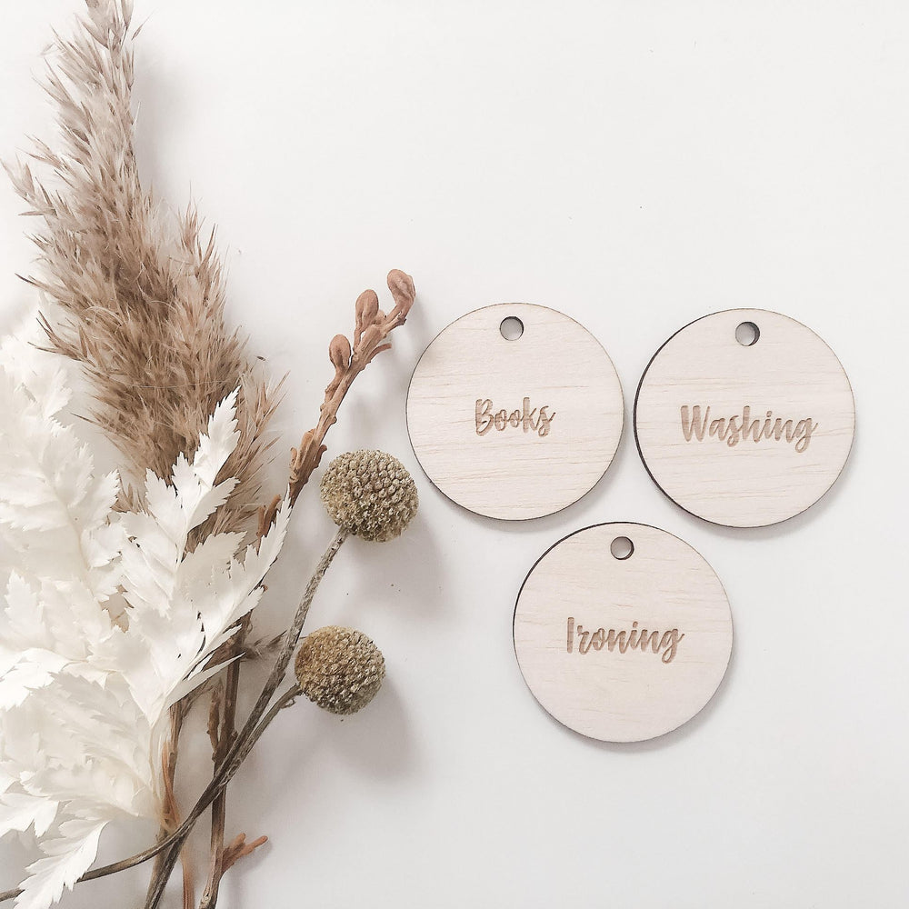 3cm customised circular wooden tags