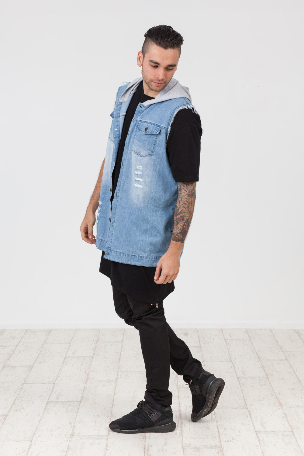 THROW BACK DENIM VEST