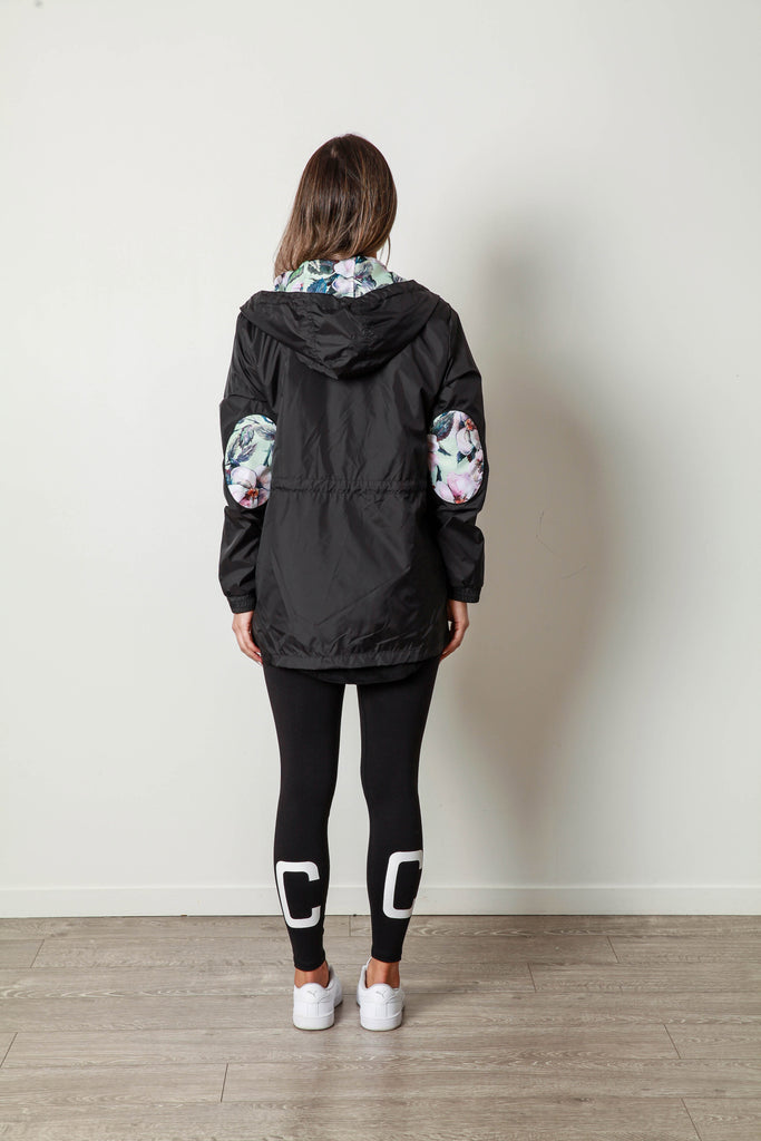 GRACE WINDBREAKER