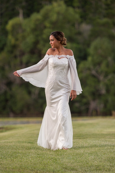 Unique lace bridal cape. Covelline Cape. Ivory and Stone. Wanaka New Zealand
