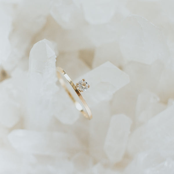 first light classic ring, yellow gold, white topaz