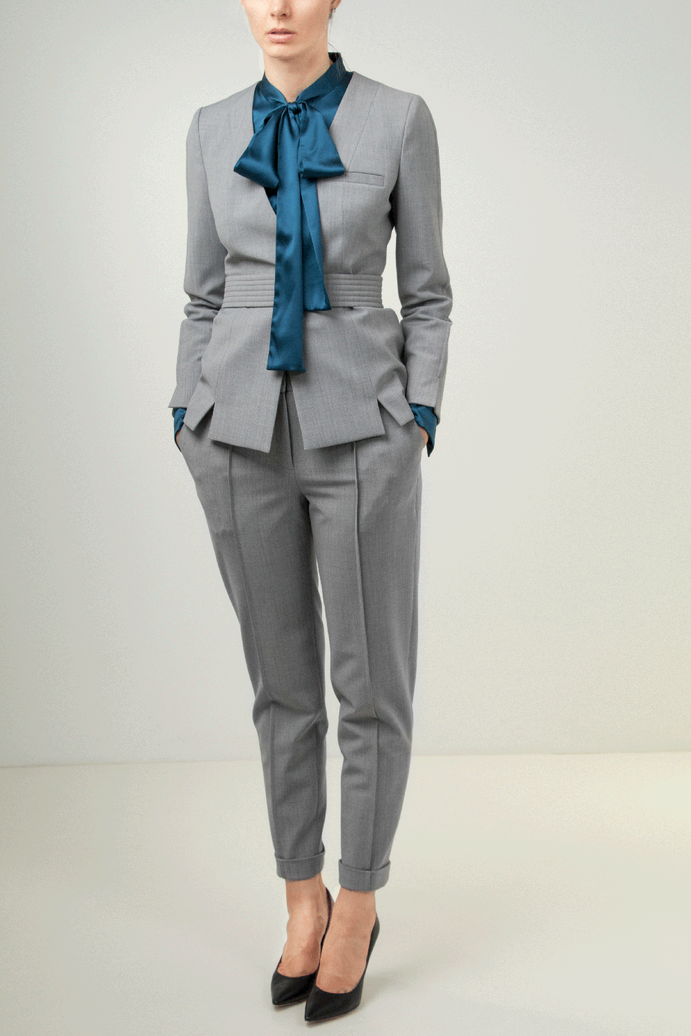 Outfit ideas for lawyers_grey pant suit