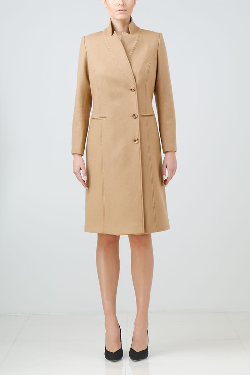 OUTFIT IDEAS FOR LAWYERS_camel coat