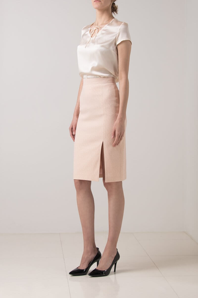 OUTFIT IDEAS FOR LAWYERS_pencil skirt