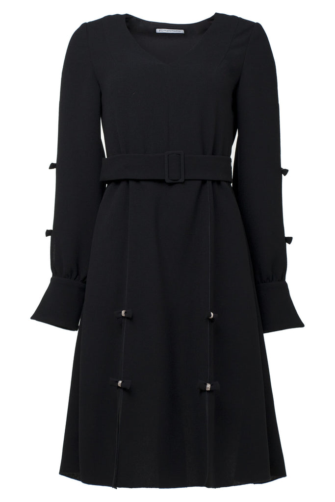 Black long-sleeve crepe dress