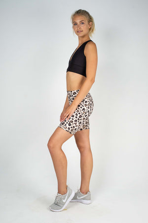 GIGI IPHONE SHORT - DESERT LEOPARD