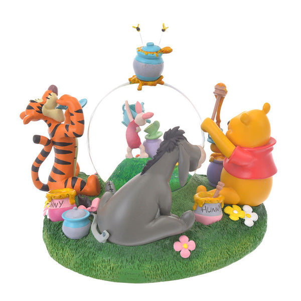 Winnie the Pooh & Friends Snow Globe Pooh's Day Disney Store Japan