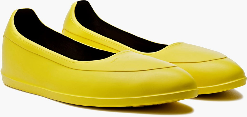 Swims Yellow