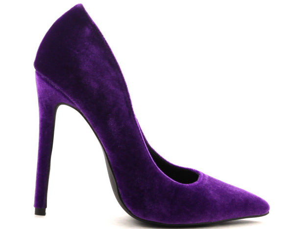 CR Pointed Toe Pumps