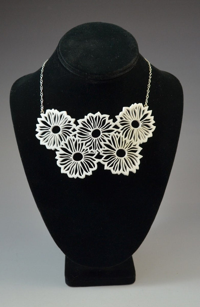 Daisy bib necklace