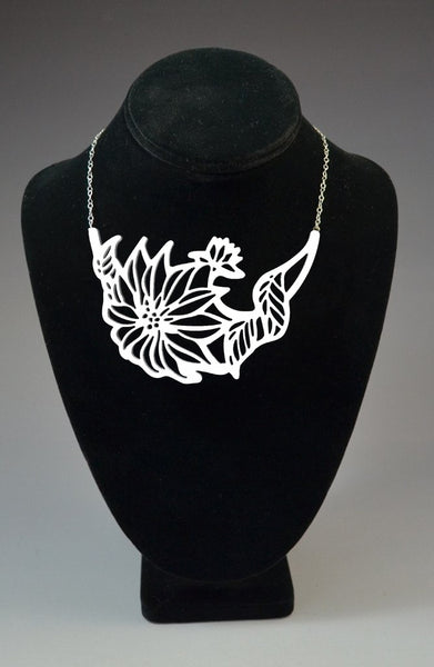 Large Flowers bib necklace