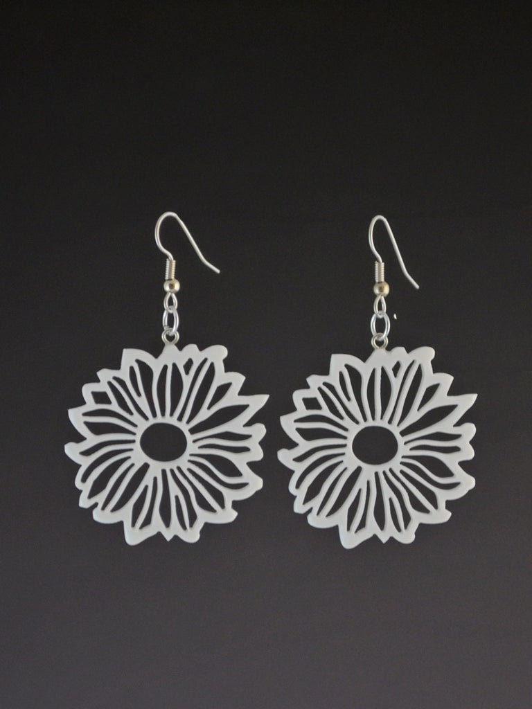 Daisy Corian Earrings