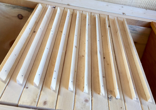 "Tri Gable Lea - 19"" Top Bars With Comb Guides"