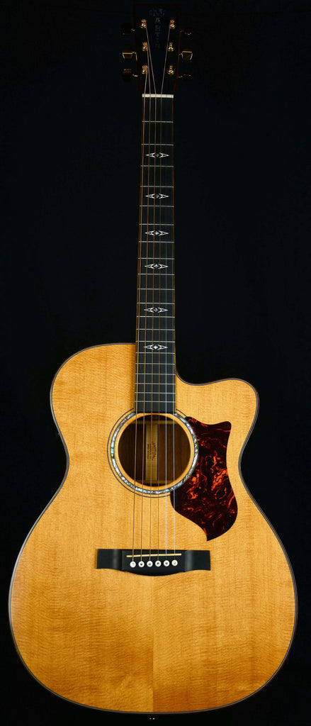 Martin OMCPA1 Performing Artist Series acoustic-electric guitar with Fishman F1 Aura+