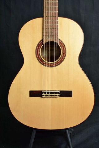 Almansa Model 403 Featuring a Solid Spruce Top