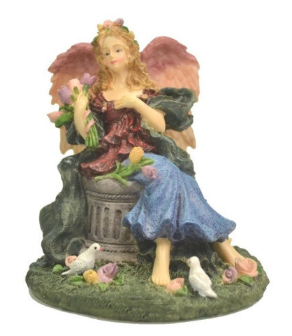Figurines | Angel with Doves Figurine