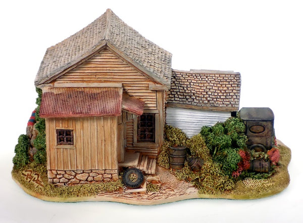 Collectibles | Lilliput Lane Cottages 16.9 Cents Per Gallon