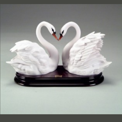 Two Swans by Giuseppe Armani Figurine