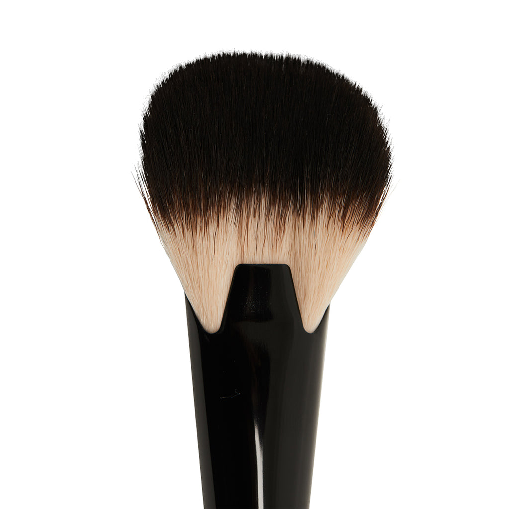 Cheek definer makeup brush