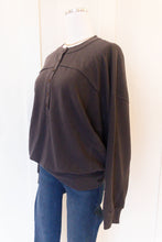 billie button pullover