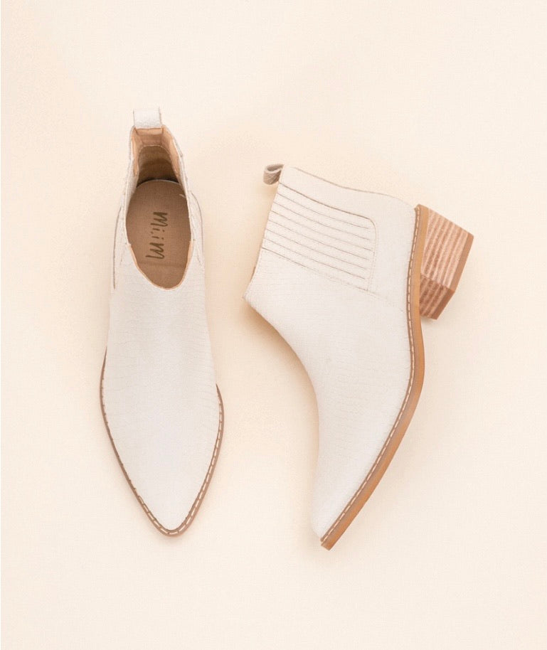 the francis bootie | ivory snake