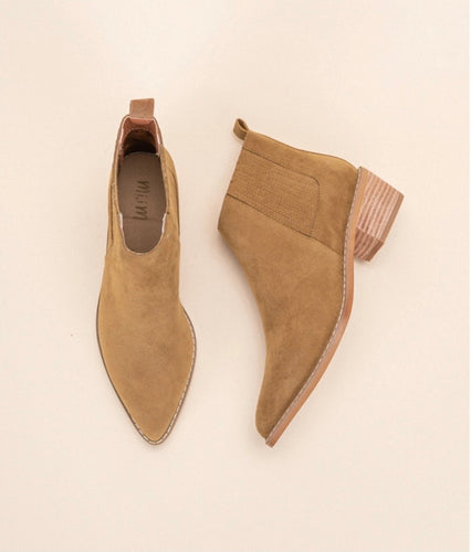 the francis bootie | camel suede