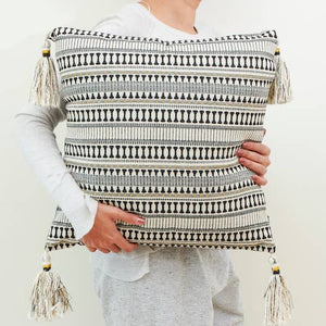 etoie accent pillow