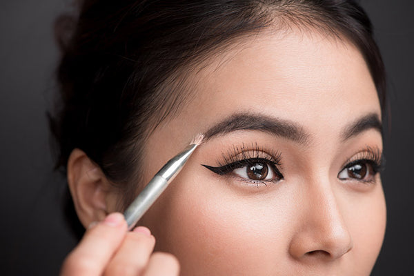 Take a Brow: How to Achieve the Perfect Brow With Pencil or Powder