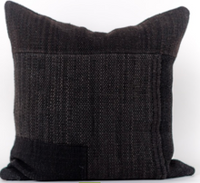 Load image into Gallery viewer, Makun Pillow