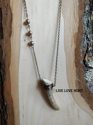 live love hunt™ antler necklace, natural