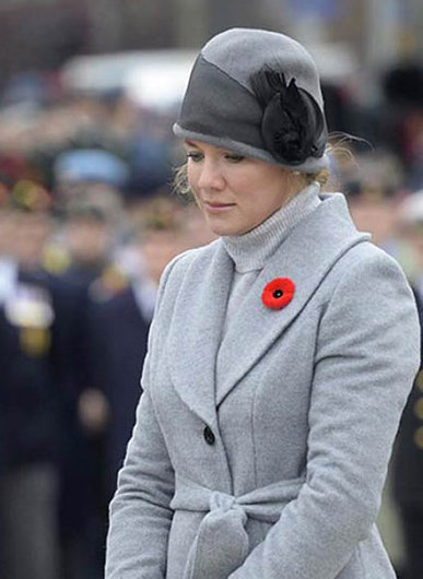 Sophie Grégoire Trudeau wears the Long Coat with Fur Collar in Shale Grey
