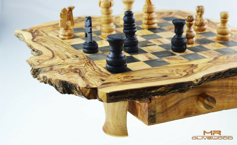 products/olive_wood_chess_board_m_by_mr_olive_wood_3.jpg