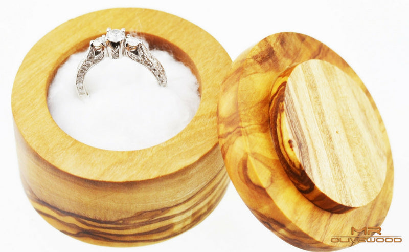 products/olive_wood_round_ring_jewellery_box_by_mr_olive_wood_4.jpg