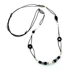 NECKLACE BLACK & WHITE BEADS 105CM