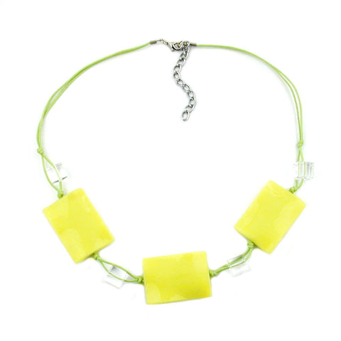 NECKLACE LIGHT GREEN PILLOW BEADS