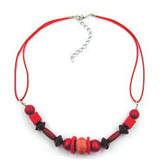 NECKLACE RED WOODEN BEADS 42CM
