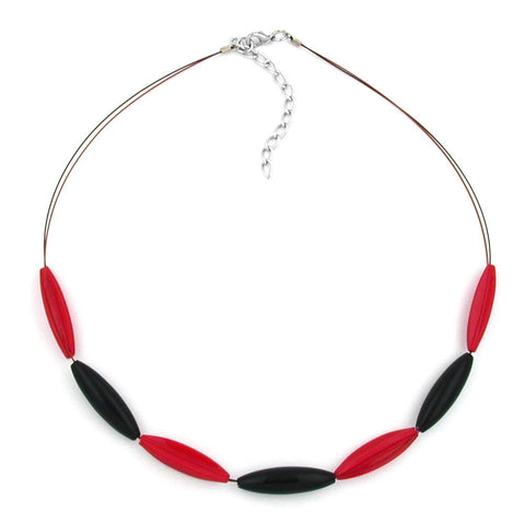 NECKLACE RED AND BLACK OLIVE SHAPED BEADS