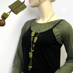 NECKLACE PILLOW BEADS OLIVE GLOSSY WAVED 90CM