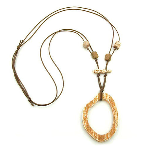 NECKLACE BROWN/BEIGE LARGE RING PENDANT