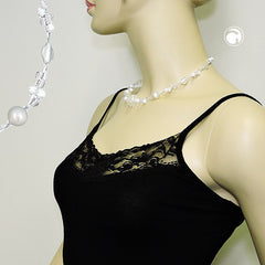 NECKLACEWHITE FROSTED AND PEARLY WHITE BEADS ON COATED FLEXIBLE WIRE 42CM