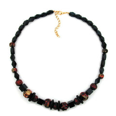 NECKLACE FACETED BLACK BEADS RED LACQUERED 50CM