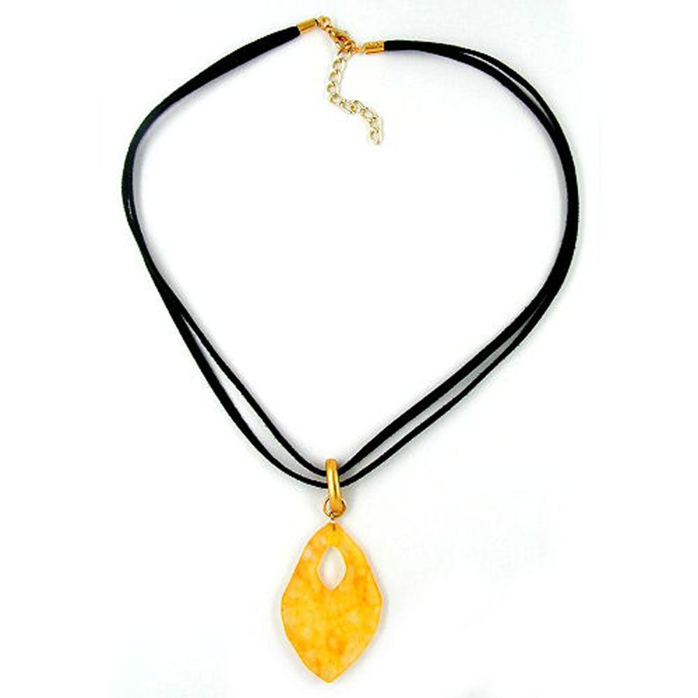 NECKLACE AMULET YELLOW MARBLED