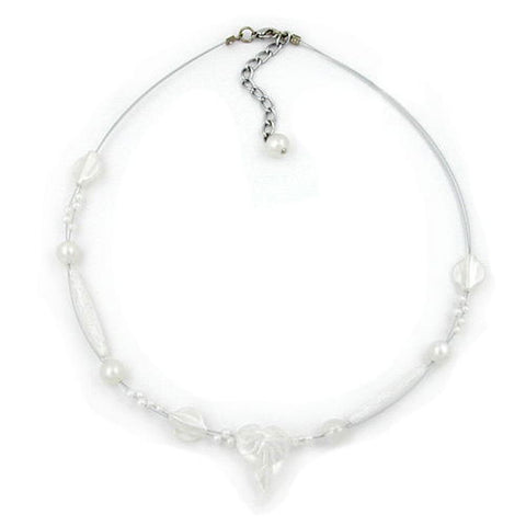 NECKLACE LEAF BEAD AND SILKY PEARLY WHITE BEADS