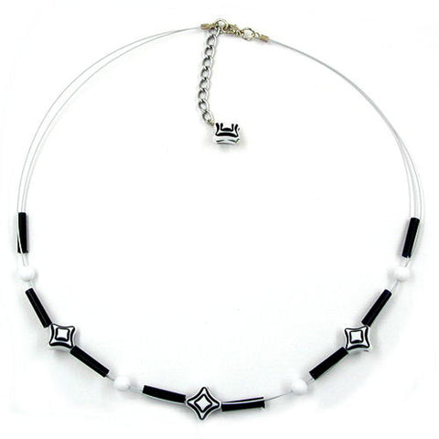 NECKLACE CUBE BEADS BLACK WHITE