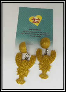 Gold Sml lobster drop earrings