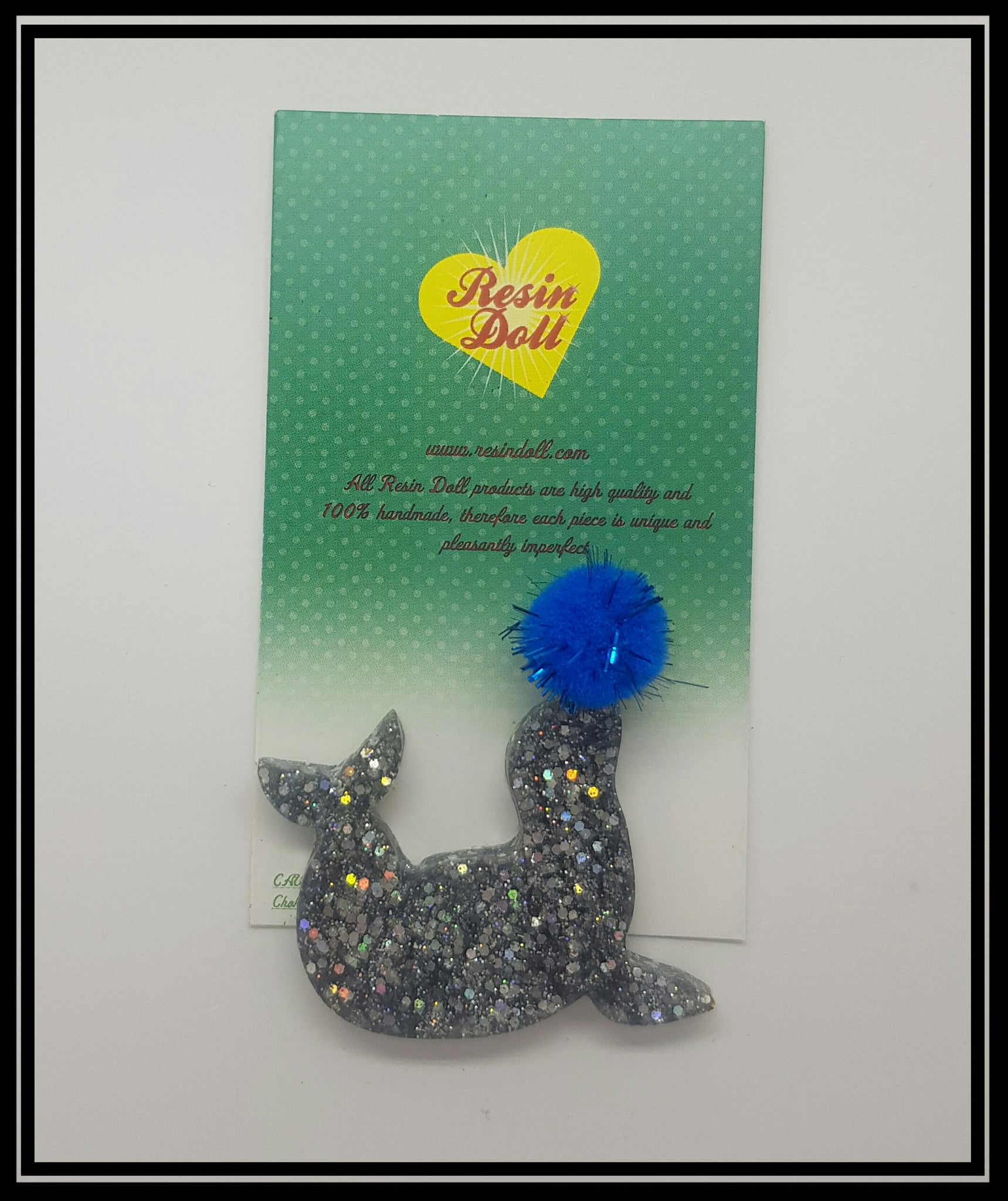 Seal and ball Brooch (sliver glitter and blue)