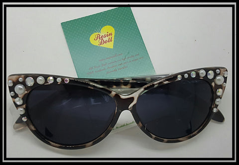 Leopard frame pearl and bling sunglasses