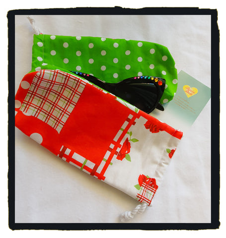 Cherry picnic glasses pouch
